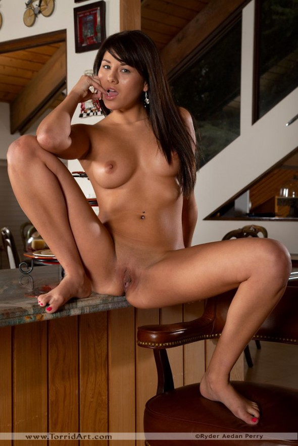 Shyla Jennings Spreading